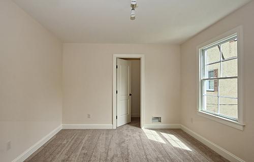 Bedroom3Closet