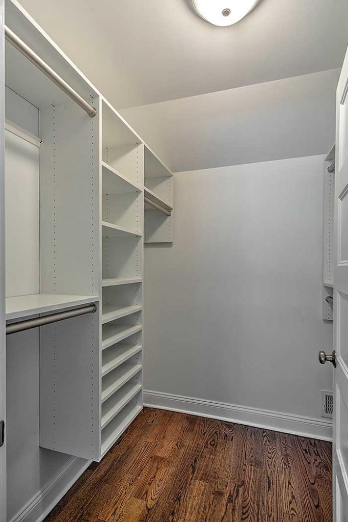 bedrooms-closets-2