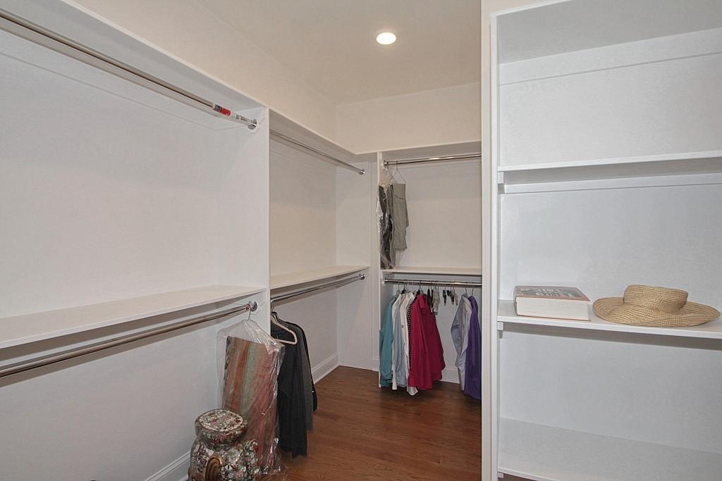 master-bedroom-suite-6